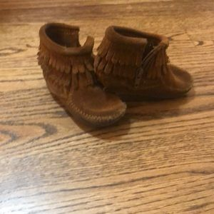 Minnetonka Shoes - Minnetonka fringe booties